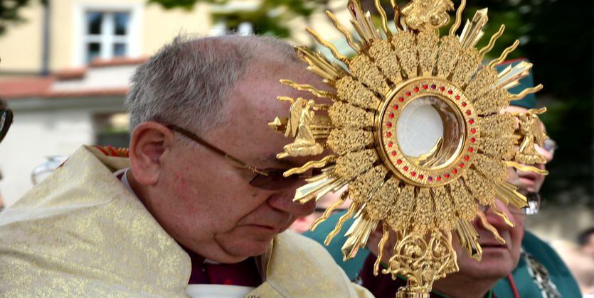 Procesja w uroczystość Bożego Ciała – fotorelacja