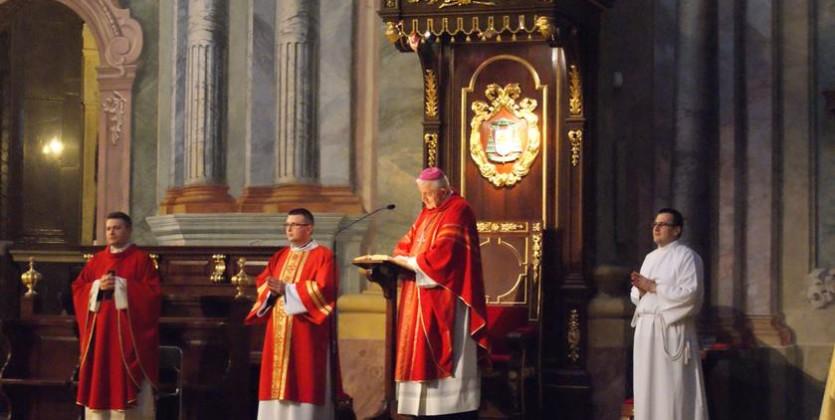 Bierzmowanie młodzieży parafialnej